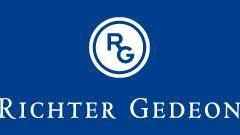 Richter Gedeon logó.jpg